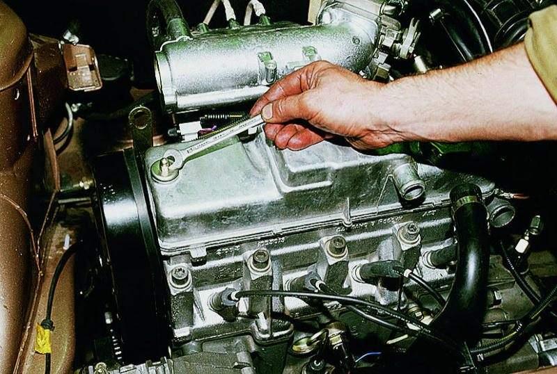 Фото №36 - замена прокладки крышки клапанов ВАЗ 2110