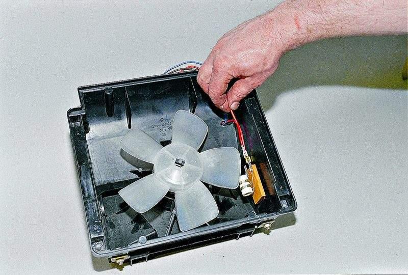 Замена вентилятора печки ваз 21213 своими руками 3