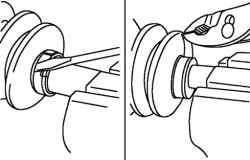 Снятие хомута чехла (со стороны коробки передач)