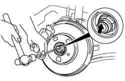 Выбивание буртика контргайки ступицы колеса