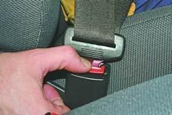 Ремни безопасности на передних сиденьях