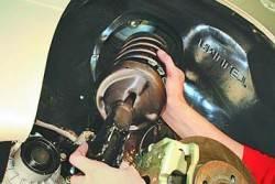 Снятие и установка амортизаторной стойки передней подвески