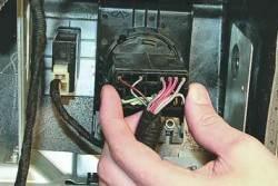 Замена блока управления наружным освещением и освещением приборов