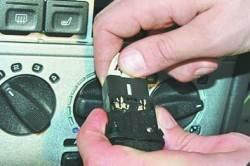 Замена выключателей панели приборов