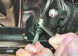 Замена шлангов гидропривода тормозов