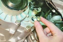 Проверка уровня и замена масла в коробке передач
