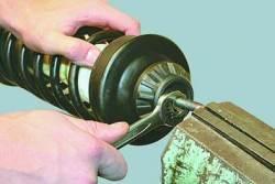 Ремонт амортизаторной стойки задней подвески
