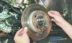 Замена дисков тормозных механизмов передних колес