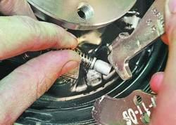 Замена колодок тормозных механизмов задних колес