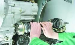 Снятие и установка приводов передних колес