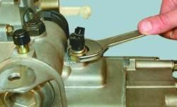 Разборка и сборка коробки передач и дефектовка ее деталей