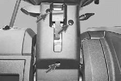 Снятие и установка кожухов рулевой колонки
