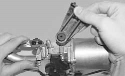 Замена моторедуктора стеклоочистителя ветрового окна