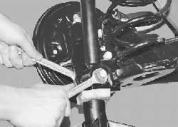 Замена амортизатора задней подвески