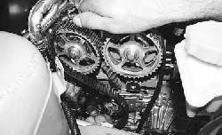 Замена ремня привода газораспределительного механизма и его натяжного ролика