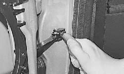 Снятие и установка задней двери