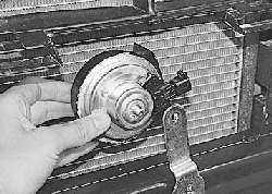 Снятие и установка звукового сигнала