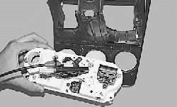 Снятие и установка блока управления системой отопления (кондиционирования) и вентиляции салона
