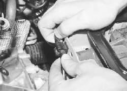 Замена трубопроводов гидропривода выключения сцепления