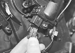 Снятие и установка электродвигателя заслонки режима рециркуляции отопителя