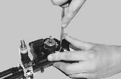 Проверка и замена регулятора давления топлива