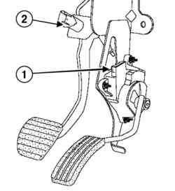 Снятие колодки проводов и выключателя стоп-сигналов с педали акселератора