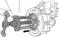 Положение съемника на фланце ступицы колеса