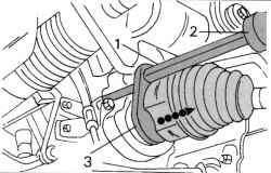 Извлечение из промежуточного подшипника вала привода правого колеса с использованием специального инструмента
