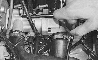 Фото №37 - замена крышки термостата ВАЗ 2110